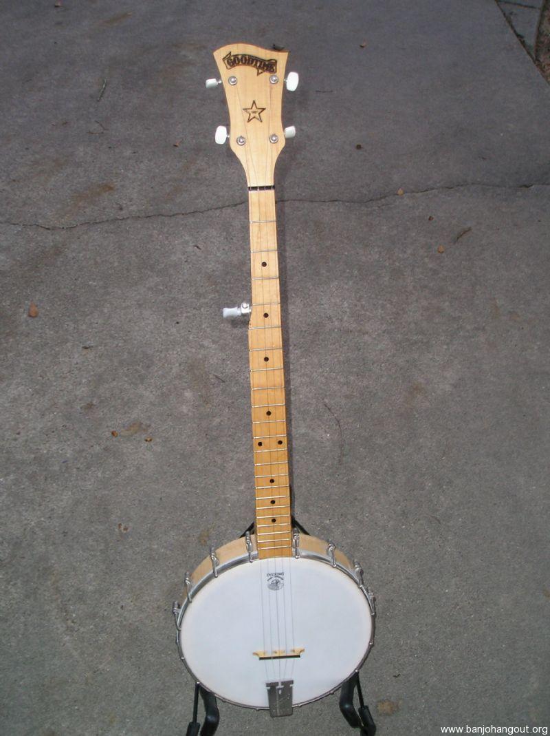 deering goodtime banjo with case used banjo for sale at. Black Bedroom Furniture Sets. Home Design Ideas