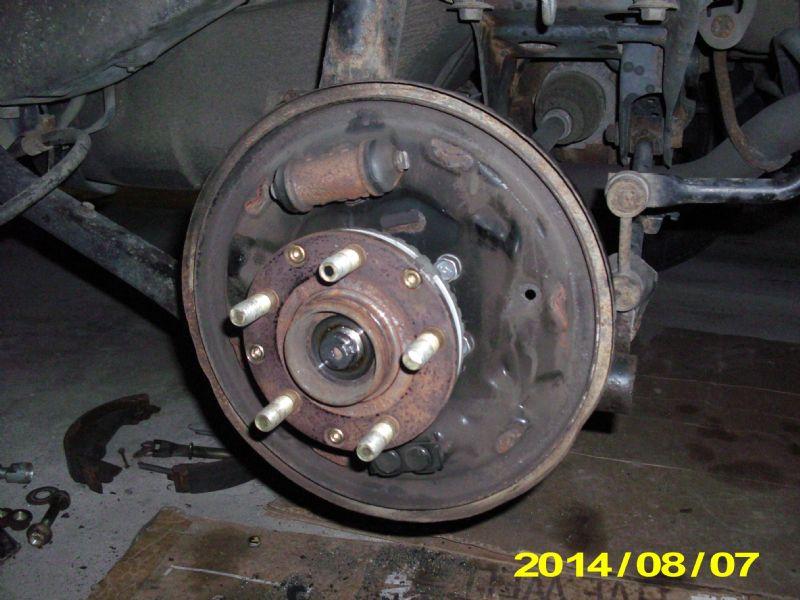 U0026 39 06- U0026 39 08  Rear Wheel Bearing And Drive Shaft