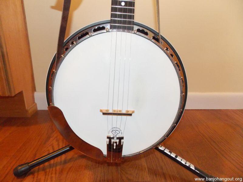 SOLD: Deering Sierra - Banjo Hangout