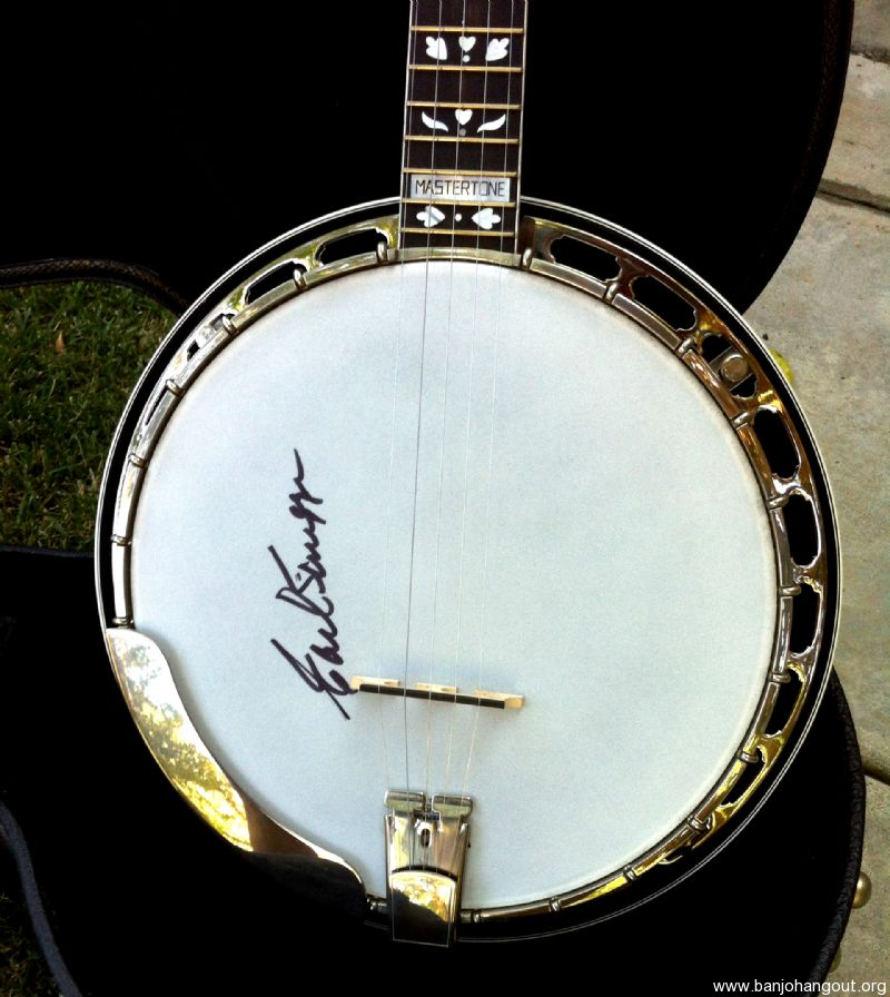 Gibson Scruggs Standard With Scruggs Photo & Signature On