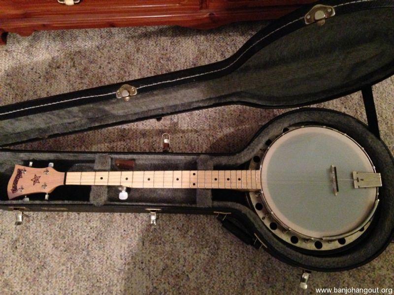 deering goodtime banjo with resonator free hardshell case used banjo for sale at. Black Bedroom Furniture Sets. Home Design Ideas