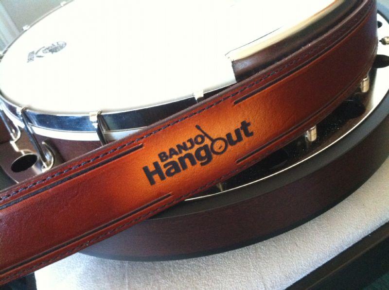 how to put screws for banjo-mandolin for a strap